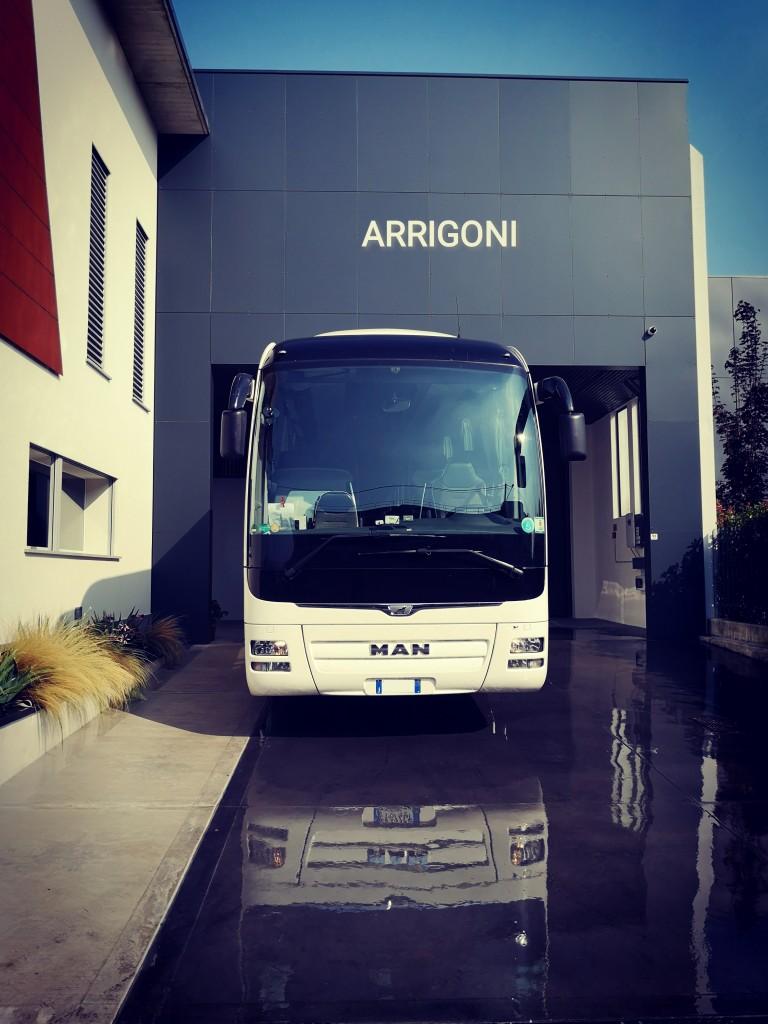 Man Lion's Coach R7